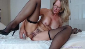 Huge boobs girlfriend tries out anal sex